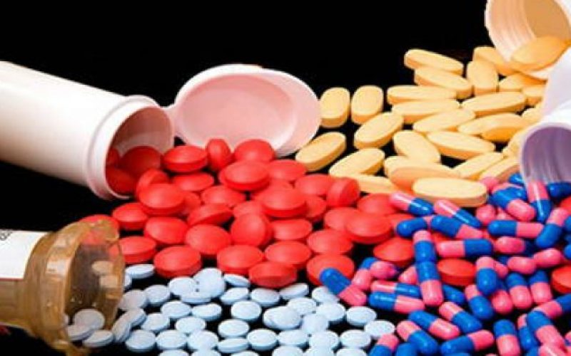 No prescription is required for obtaining antibiotics from nearly 50% of online sites